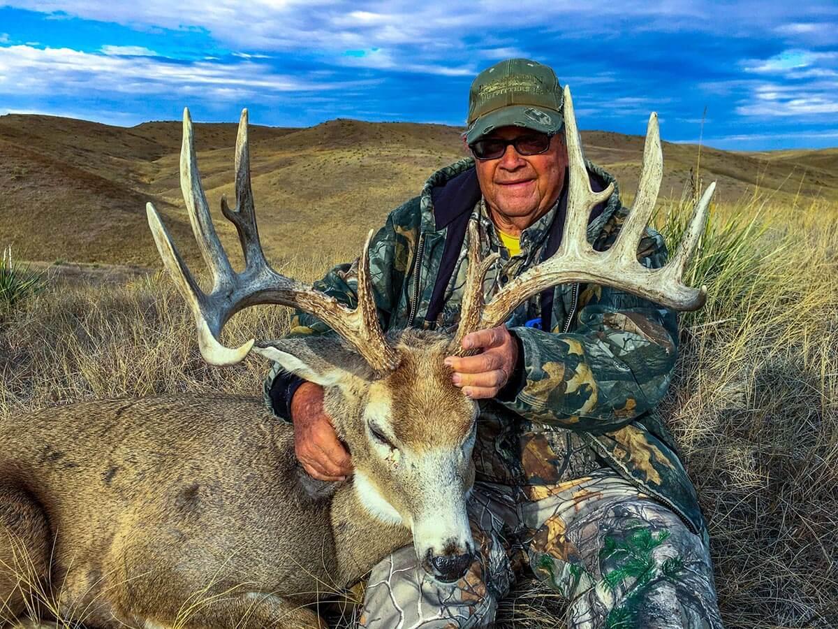 South Dakota Rifle Whitetail Deer Hunts Gallery 4