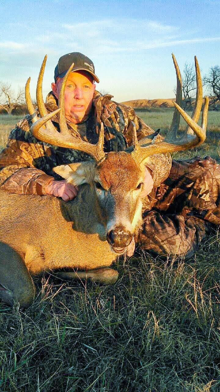 South Dakota Rifle Whitetail Deer Hunts Gallery 2